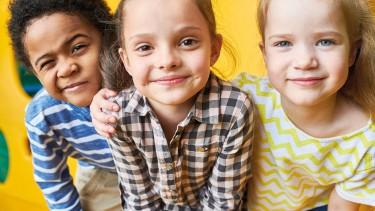 Fröhliche Kinder © Seventyfour, stock.adobe.com