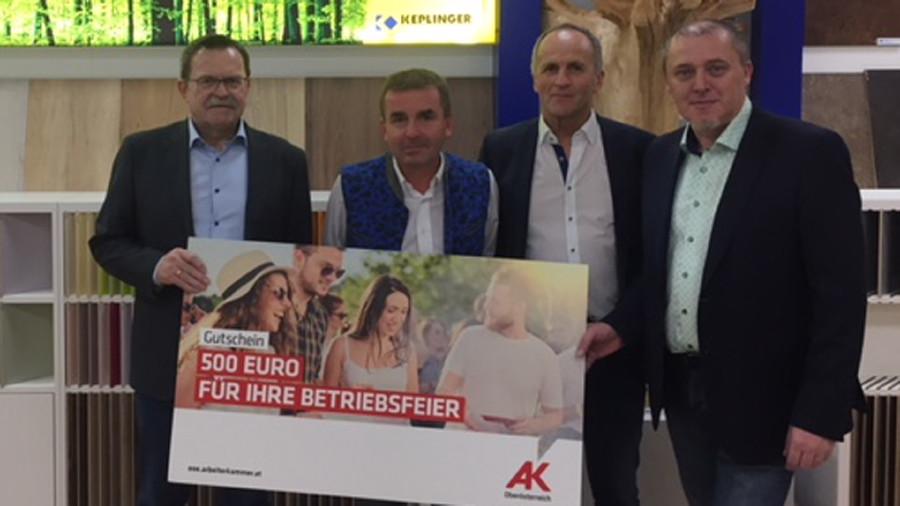 Preisübergabe © R.Brunhofer, Arbeiterkammer Oberösterreich