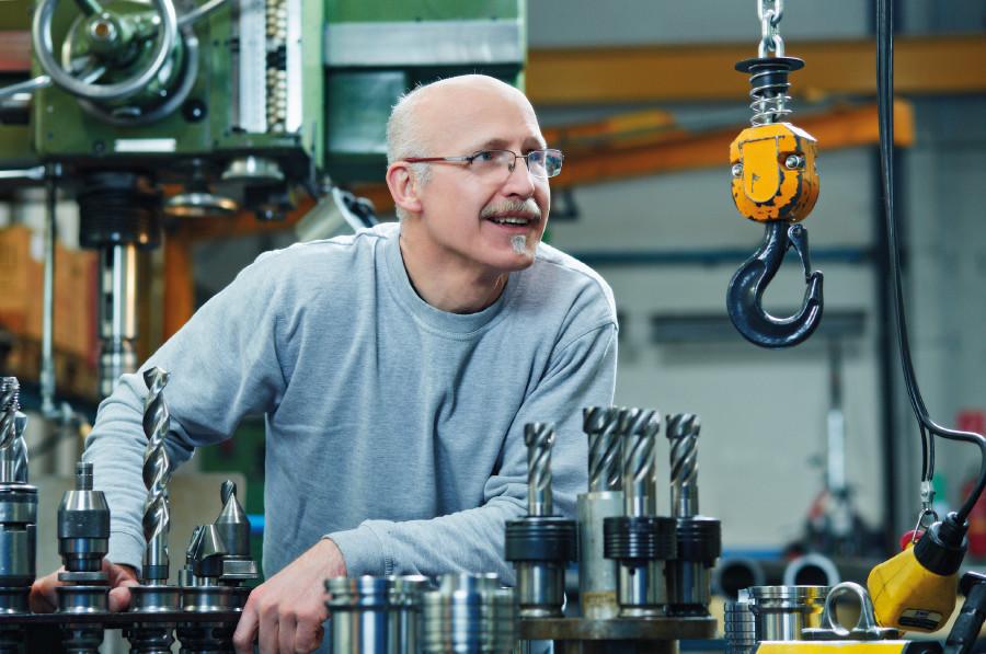Älterer Arbeitnehmer im Betrieb © Florian Stöllinger, Arbeiterkammer Oberösterreich