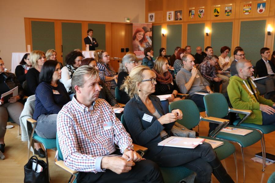 Volles Haus und angeregte Diskussionen beim Jugendnetzwerktreffen in der AK Gmunden © AKOÖ, -