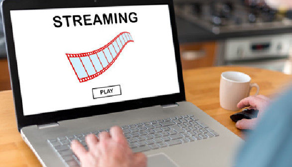 Streaming am Laptop © thodonal, Fotolia.com