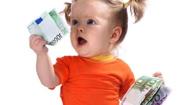 Baby mit Geldscheinen © Gennadiy Poznyakov, Fotolia.com