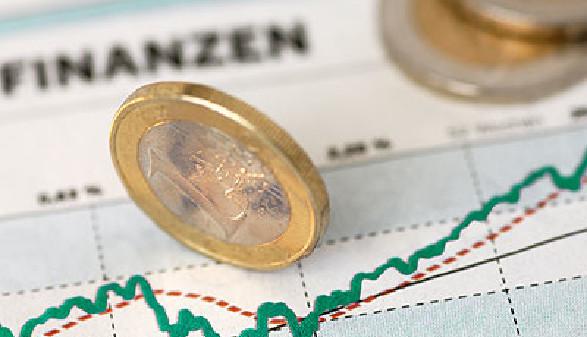 Euromünzen auf Finanzstatistik © Alterfalter, Fotolia.com
