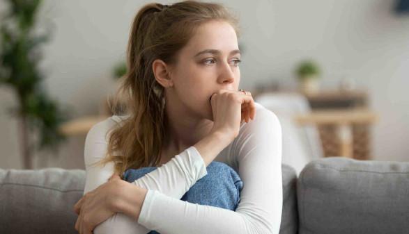 Junge traurige Frau © fizkes, stock.adobe.com
