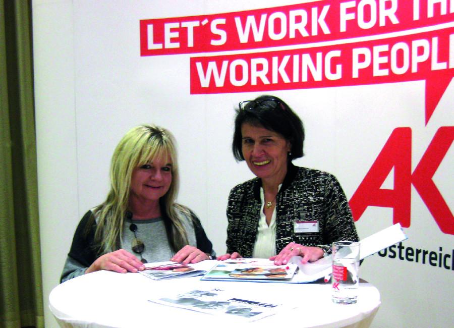 Bonita Haag (links) mit AK-Bezirksstellenleiterin Dr. Martina Obermaier © -, Arbeiterkammer Oberösterreich