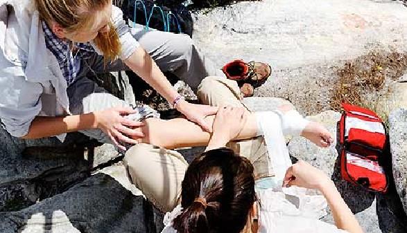 Erste Hilfe bei Verletzungen am Berg © Warren Goldswain, Fotolia.com