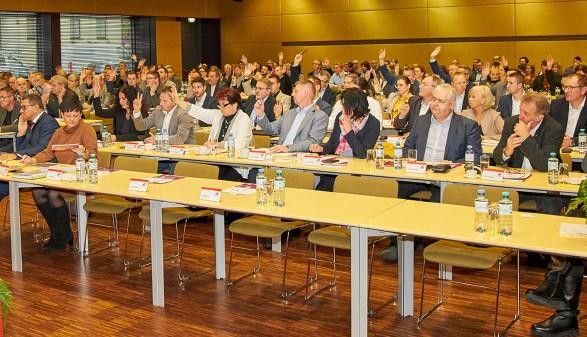 Vollversammlung: Die Kammerräte stimmen ab © AK Oberösterreich