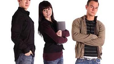 Drei skeptisch blickende Jugendliche - Angst vor Arbeitslosigkeit? © Kaarsten, fotolia.com