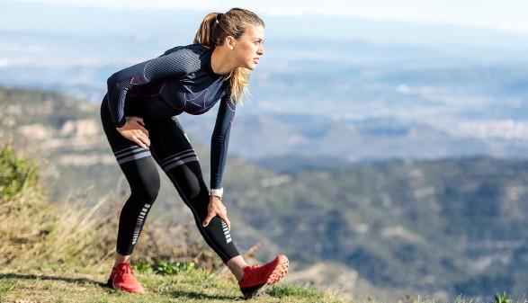 Läuferin beim Stretching © nenetus, stock.adobe.com