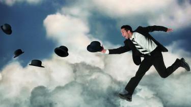 Mann läuft auf Wolken © -, Arbeiterkammer Oberösterreich