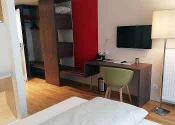 Zimmer mit Queensize-Bett © -, Arbeiterkammer Oberösterreich