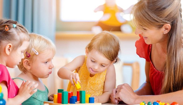 Kinderbetreuung © Kzenon, stock.adobe.com