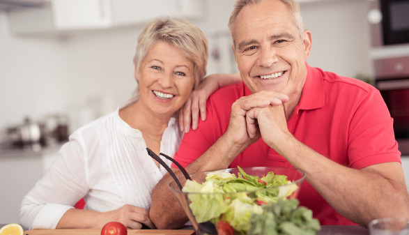 Älteres Ehepaar ernährt sich gesund © contrastwerkstatt, stock.adobe.com
