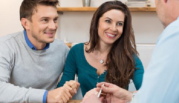 Ehepaar bei einem Beratungsgespräch © Rido, Fotolia.com
