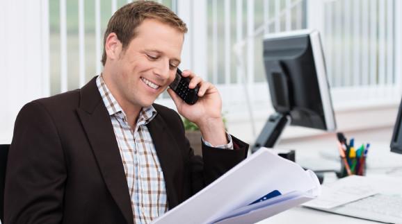Mann telefoniert © contrastwerkstatt, stock.adobe.com