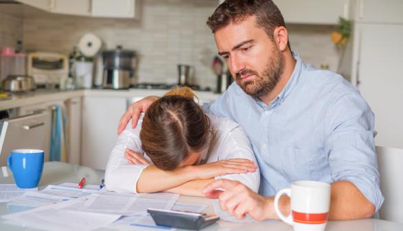 Ehepaar mit Geldsorgen © Paolese, stock.adobe.com