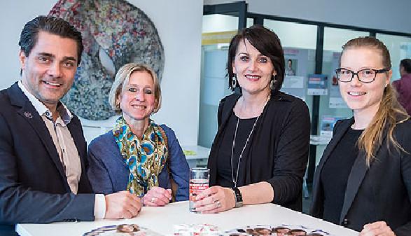 AK-Vizepräsidentin Elfriede Schober (2. von rechts) mit Moderator Andreas Seidl (links) und Rechtsberaterinnen der Arbeiterkammer Linz-Land. © -, CityFoto.at
