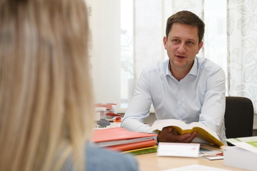 Leiter der AK-Bezirksstelle Vöcklabruck Mag. Michael Weidinger  © Wolfgang Spitzbart, AK OÖ