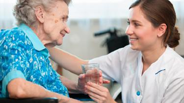 Versicherung bei Pflege © Fotolia