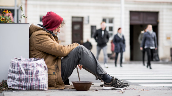 Sozialhilfe © Halfpoint, adobe.stock.com