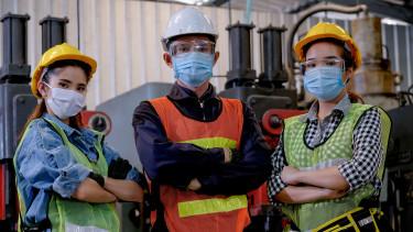 Arbeiter/-innen mit Mundschutz © narong , stock.adobe.com