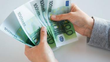 100er-Euroscheine © Syda Productions, Fotolia.com