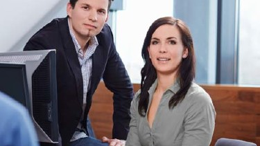 Mann und Frau im Büro © Florian Stöllinger, AK OÖ