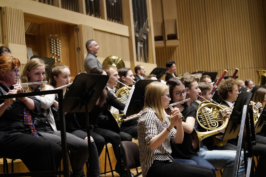"""AK lud 1.300 Lehrlinge zum """"AK-Classics YOUNG"""" ins Brucknerhaus © Winkler R., AK Oberösterreich"""