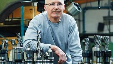 Älterer Arbeitnehmer in Werkstatt © -, AK Oberösterreich