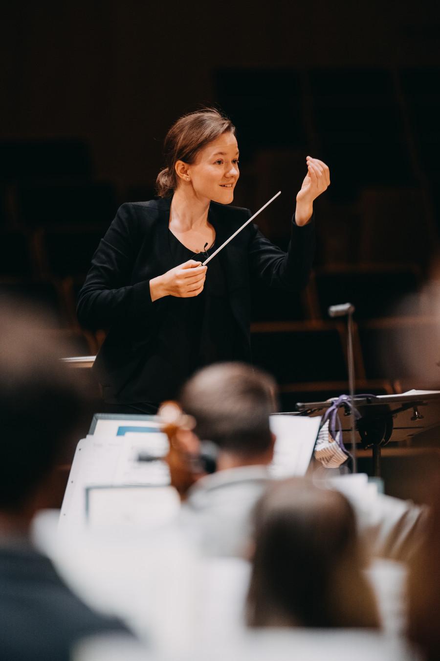 "Katharina Wincor dirigiert zum Auftakt der ""AK Classics"" am 21. Oktober das Brucknerorchester Linz © Katharina Wincor, -"