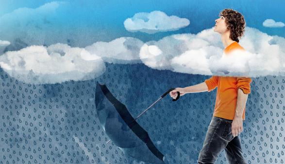 Mann durch Wolken © Stefan Eibelwimmer, www.sege.at
