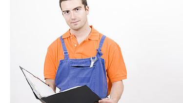 Arbeiter mit Bewerbungsmappe in der Hand © Paolese, Fotolia.com