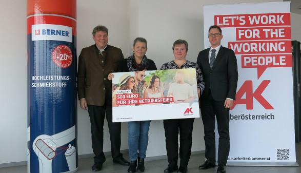 Gewinn für Beschäftigte der Berner GmbH übergeben © G. Rachbauer, Arbeiterkammer Oberösterreich
