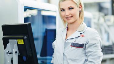 Beschäftigte in Großbetrieben sind in manchen Aspekten zufriedener © -, AKOÖ