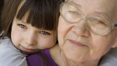 Oma, Kind, sozialrechtliche Bestimmungen © _, Fotolia.com