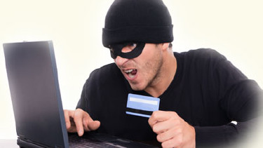 Portrait Kreditkartendaten gestohlen © detailblick, Fotolia.com